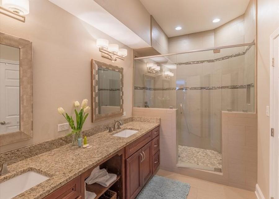 12-Tivoli-By-The-Sea-5281-Bathroom