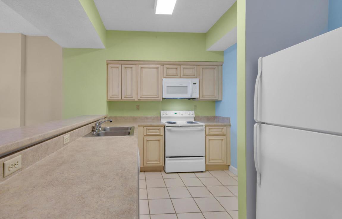 6-Tides-at-TOPSL-Unit-402-Kitchen