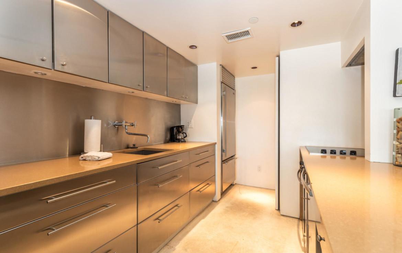 14-TOPS'L-Beach-Manor-Unit-C-606-Kitchen